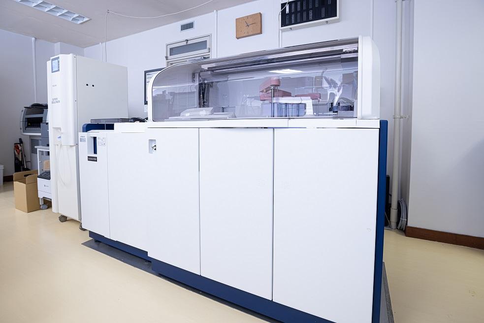生化学自動分析装置 LAbOSPECT006