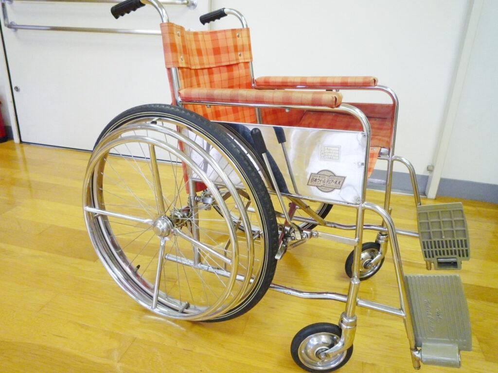 片手駆動型車椅子